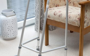 Narrow walking frame