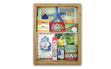 Memory box to display personal momentos
