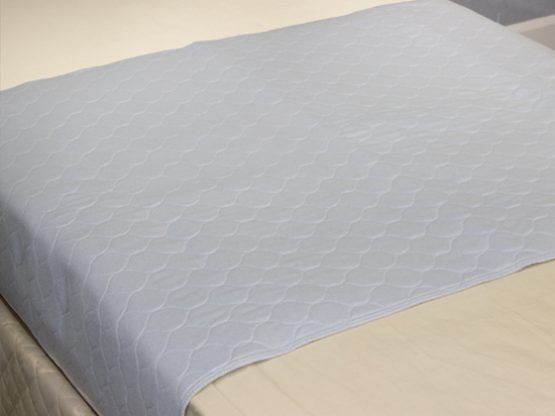 Charming Disposable Bed Sheets. Made Of Soft Non Woven Sheet And A Waterproof Base  Layer To Provide A High Level Of Protection As Well As A Comfortable  Surface To ...